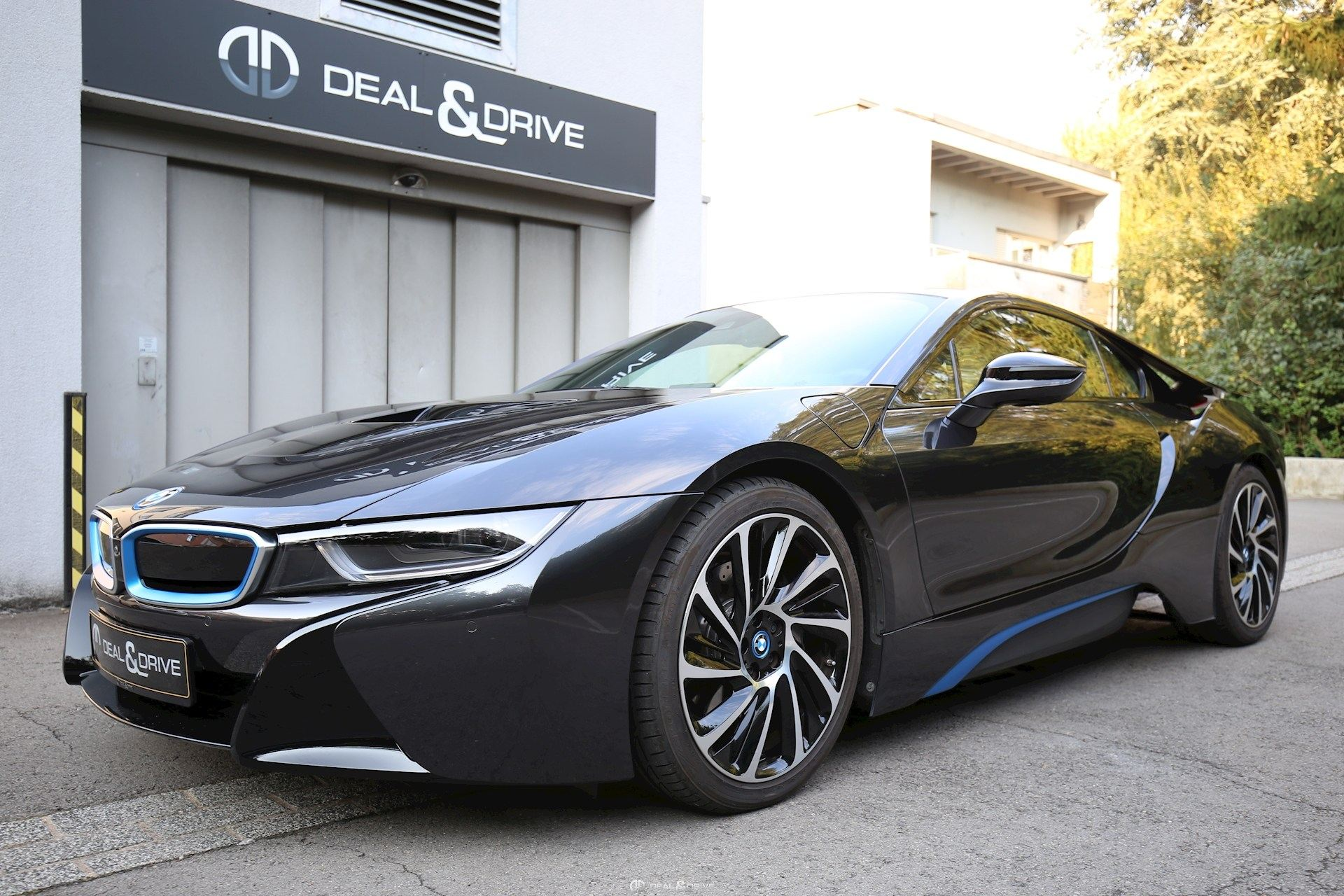 bmw i8 hybride deal drive. Black Bedroom Furniture Sets. Home Design Ideas