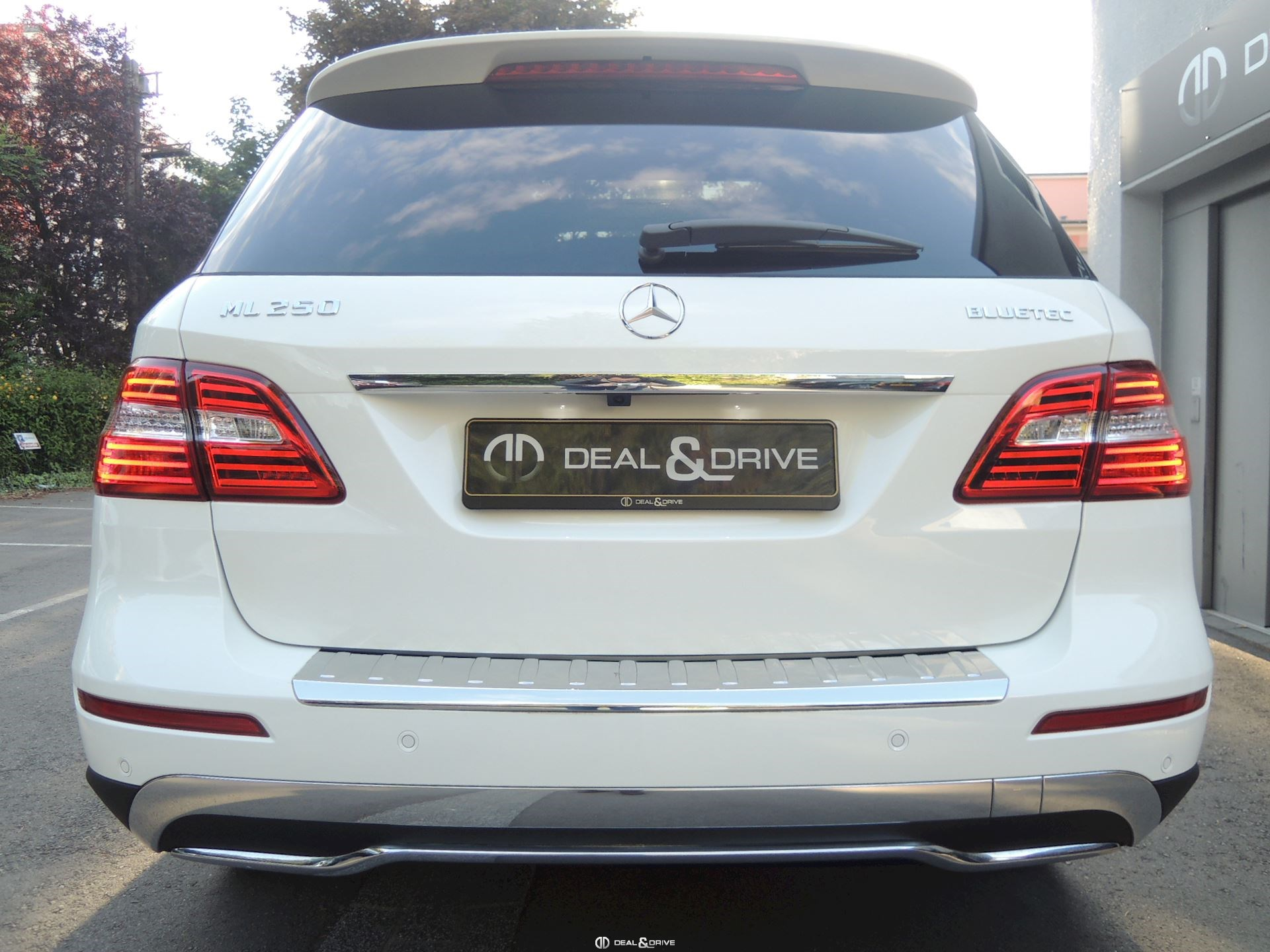 mercedes ml 250 cdi 4matic sport deal drive. Black Bedroom Furniture Sets. Home Design Ideas
