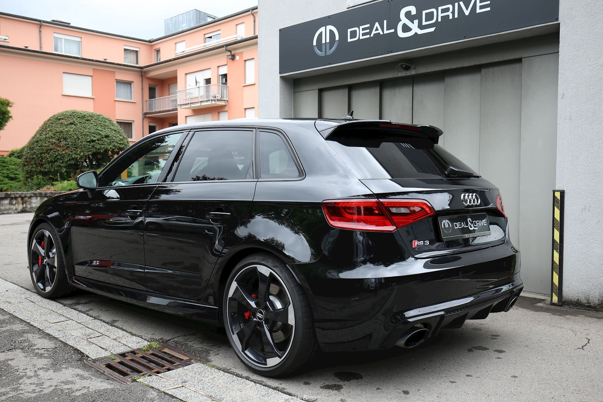 audi rs3 sportback 2 5 tfsi quattro s tronic deal drive. Black Bedroom Furniture Sets. Home Design Ideas