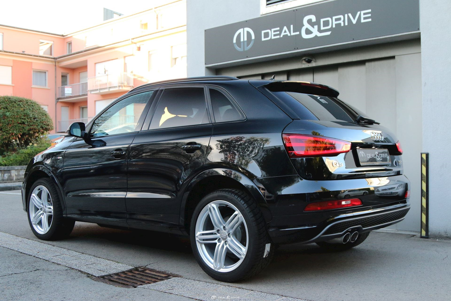 audi q3 2 0 tdi 140 quattro s line competition s tronic deal drive. Black Bedroom Furniture Sets. Home Design Ideas
