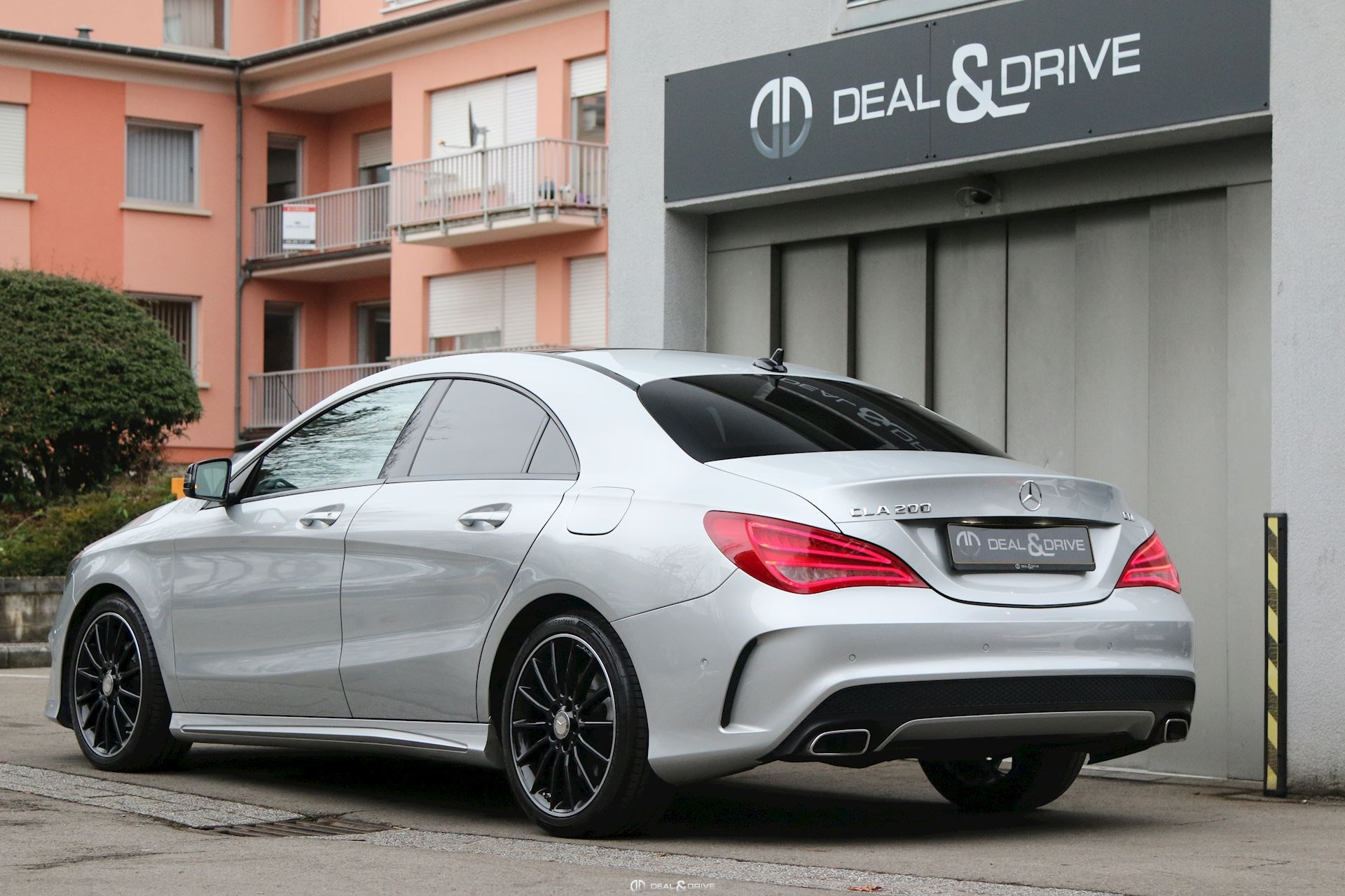 mercedes cla 200 cdi auto amg deal drive. Black Bedroom Furniture Sets. Home Design Ideas